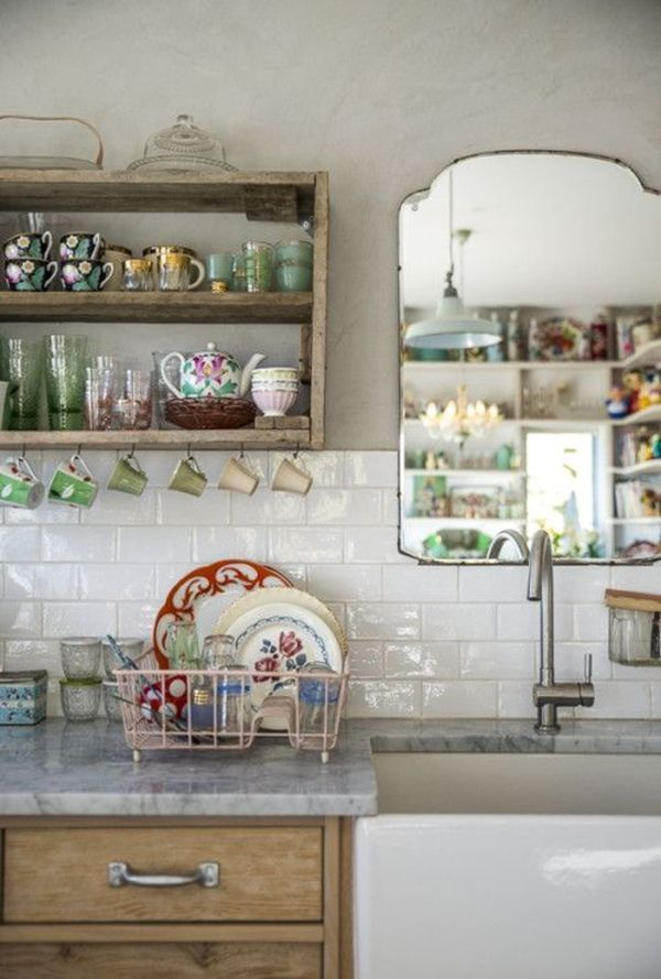 Idea para cocinas pequeñas un espejo y verlo todo... 1