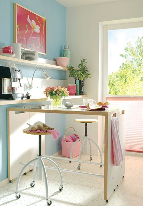 Mesas altas de cocina alternativa a las mesas plegables for Mesas de cocina con ruedas