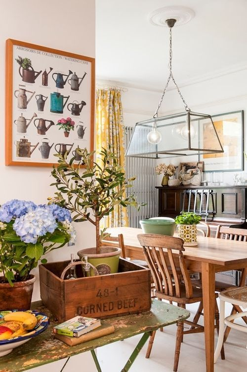 Una cocina r stica con una decoraci n singular cocinas - Cocinas pequenas con encanto ...