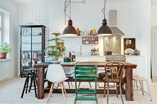 Cocina comedor cool con surtido de sillas mix & match 9