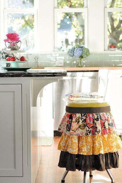 Manualidades con materiales reciclados cocinas con encanto for Manualidades de muebles