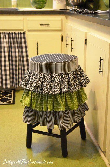 Reciclar muebles cómo tunear viejos taburetes de cocina 2