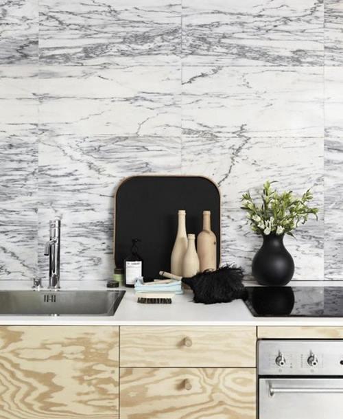 cocinas rusticas con encimeras de marmol son una buena eleccion 2