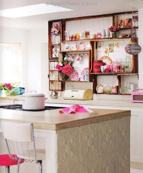 Son pr cticas las estanter as de cocina abiertas o s lo for Estanterias cocinas pequenas
