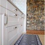 Suelos de baldosa hidráulica en tu cocina pegando vinilos geometricos