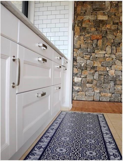 Suelos de baldosa hidráulica en tu cocina pegando vinilos geometricos 3