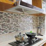 Frentes de cocina nuevos con estos azulejos adhesivos