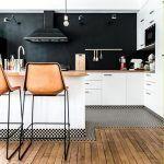 5 cocinas con isla y barra incorporada que te van a encantar